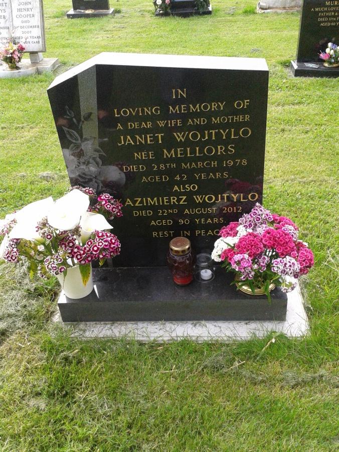 Gravestone, Queniborough Cemetery, Leicestershire